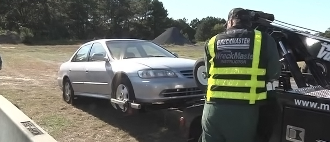 How to lift and tow a light duty vehicle: 17 steps to a quick and safe tow